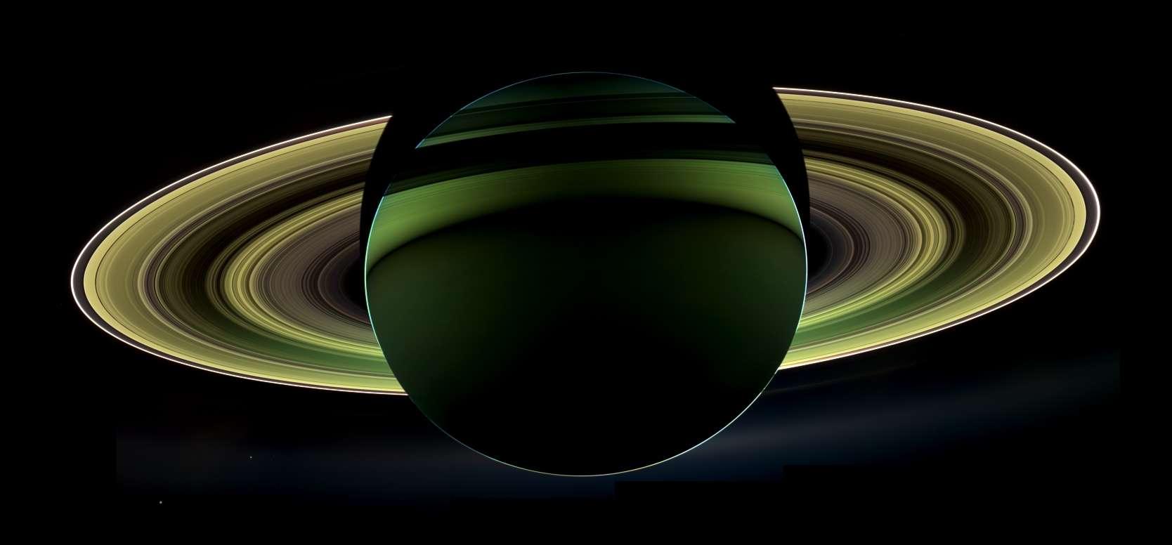 сатурн фото со спутника