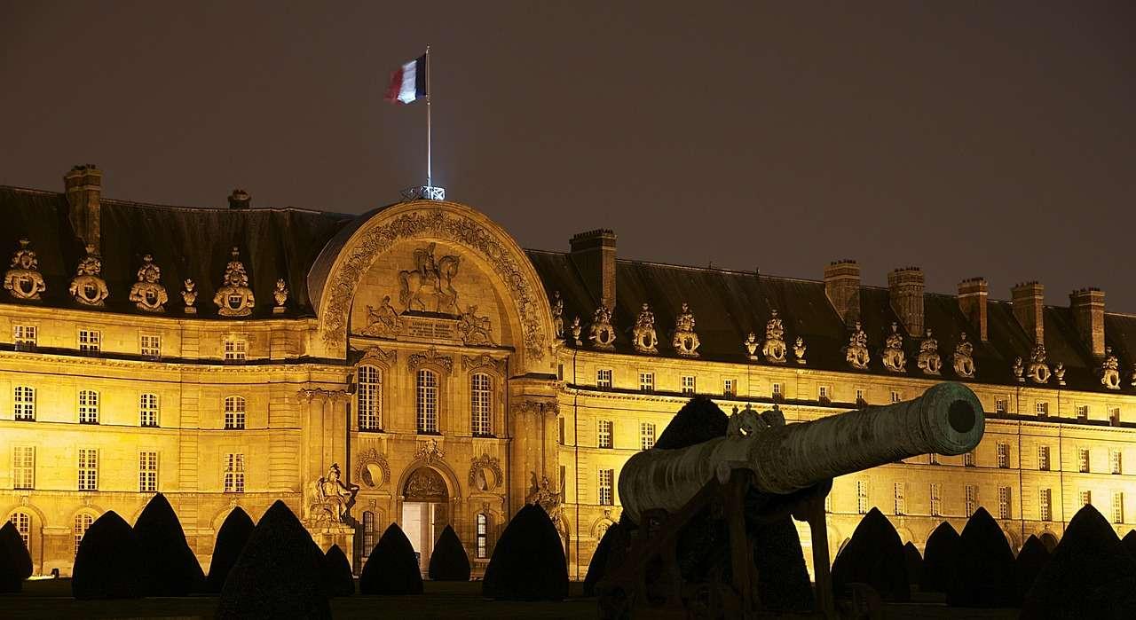 Дворец, Франция