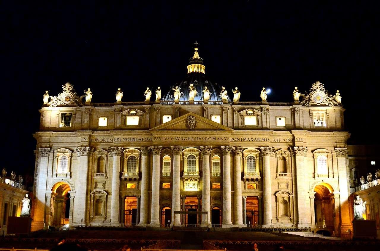 Купол собора Петра в вечернем свете