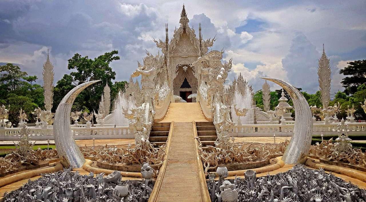 Ват Ронг Кхун — Белый храм!