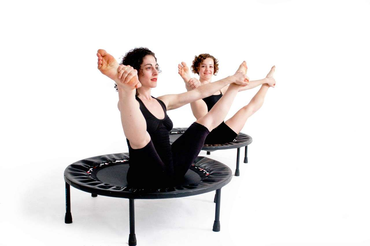 йога на батуте