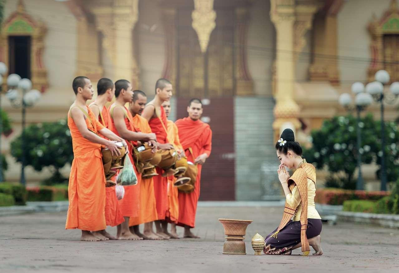 Монахи Я Молюсь Бангкок Азия Символ Верить Будда