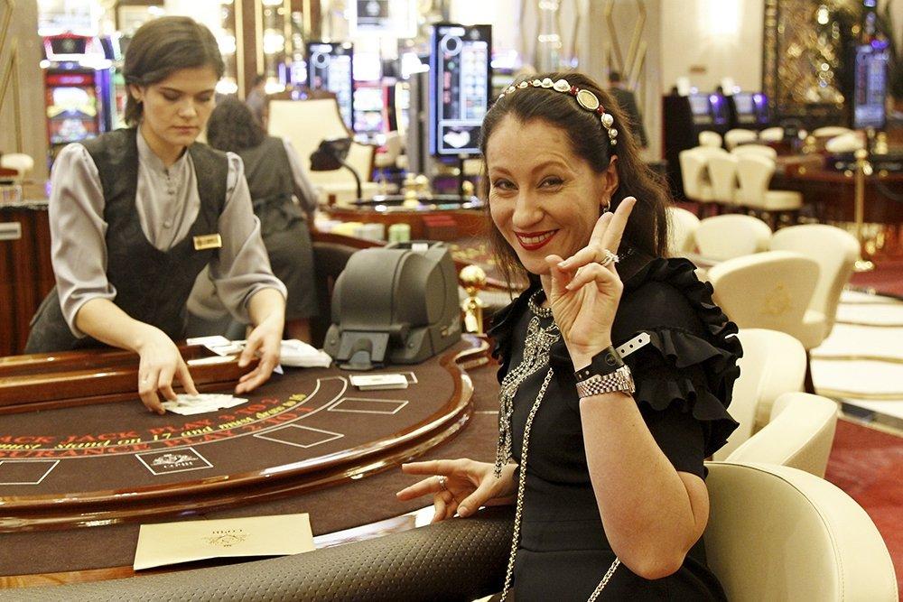 Роман баталов казино ян казино