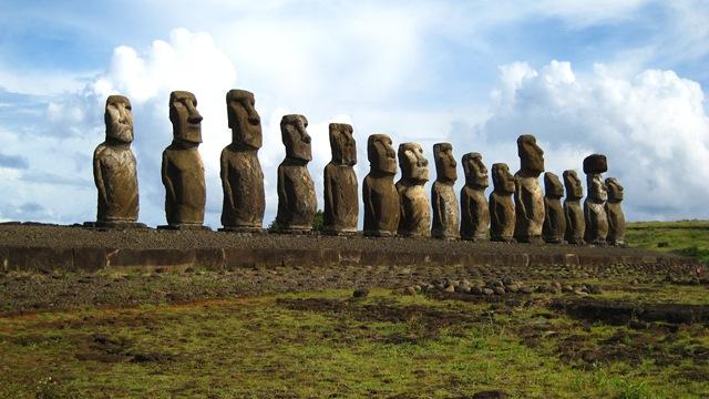 Разгадана тайна статуй Моаи с острова Пасхи: у статуй есть тела.