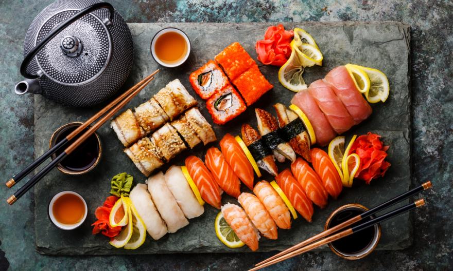 Что такое суши и с чем их едят: основы азиатской кухни