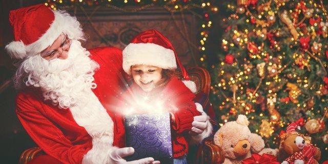 Діти перестають вірити у Санта-Клауса до дев'яти років - фото 297486