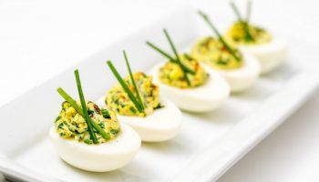 Почему мужчинам нужно регулярно кушать куриные яйца