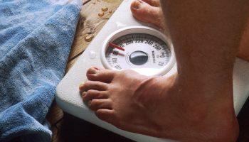 Бросайте курить: ученые объяснили, почему не стоит бояться набора веса