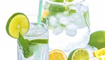 Разрушаем мифы: не такая уж и полезная вода с лимоном