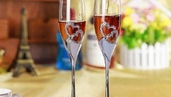 Из каких бокалов надо пить шампанское