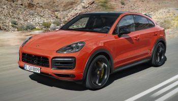 В Украине отзывают сотни машин Porsche