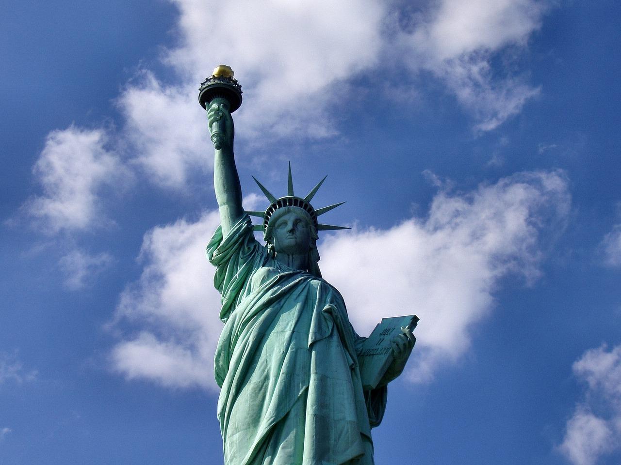 Почему Статуя Свободы зеленого цвета
