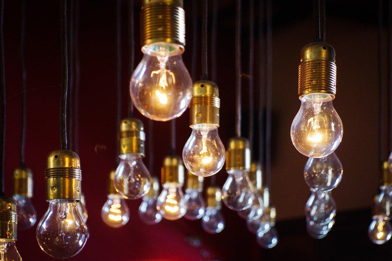 Как сэкономить электроэнергию во время карантина дома: простые и эффективные методы
